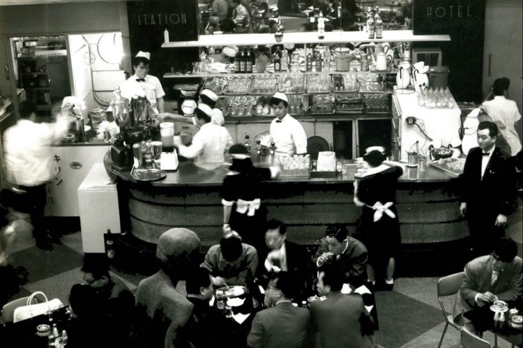 cropped-tokyo-station-hotel-coffee-shop-1950s