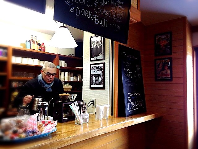 michael-pouring-coffee.JPG