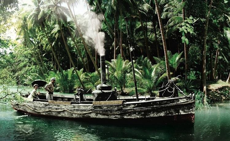 queen-boat